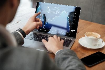5 Nejlepších akcií ke koupi za měsíc duben