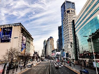 Čínská centrální banka: Evergrande je výjimkou, ostatní developeři nemovitostí jsou stabilní